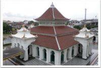 Посещение Большой мечети Палембанга