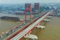 विजिटिंग अम्पेरा ब्रिज पालमबांग