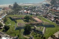 Visiting Fort Marlborough Bengkulu 1