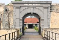 Visitando Fort Marlborough Bengkulu