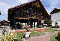 Visiting Rumoh Aceh Museum