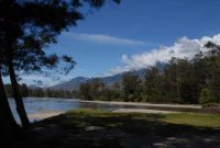 Baliem Valley Lake Habema in Wamena presents glorious scenery, home to various birds, mamals, and other types of fauna and vegetation