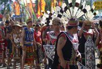 Visitando a tribo Dayak