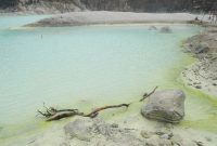 Visiting Kawah Putih or White Crater