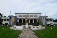 Visita ao Palácio do Sultão de Kutai (Museu Mulawarman) Tenggarong