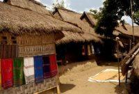Lombok, Sade Village