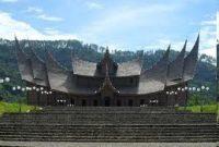 Посещение дворца Пагаруюн