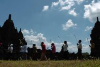 "Upacara ""Pradaksina"" di Candi Sewu"