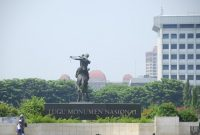 Visiting The National Monument or Monas