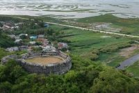 Visiting Otanaha Castle Gorontalo 1