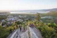 Visiting Otanaha Castle Gorontalo 2