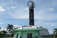 Visiting The Equatorial Monument of Pontianak