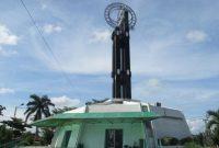Visiting The Equatorial Monument of Pontianak