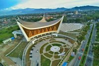 Visiting Grand Mosque of West Sumatra Padang 1
